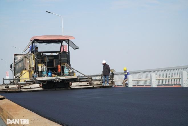Những hình ảnh mới nhất của đại công trường sửa chữa mặt cầu Thăng Long - 6