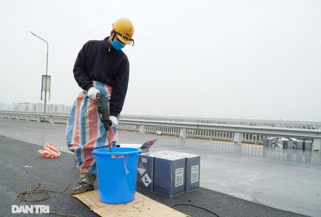 Những hình ảnh mới nhất của đại công trường sửa chữa mặt cầu Thăng Long - 10