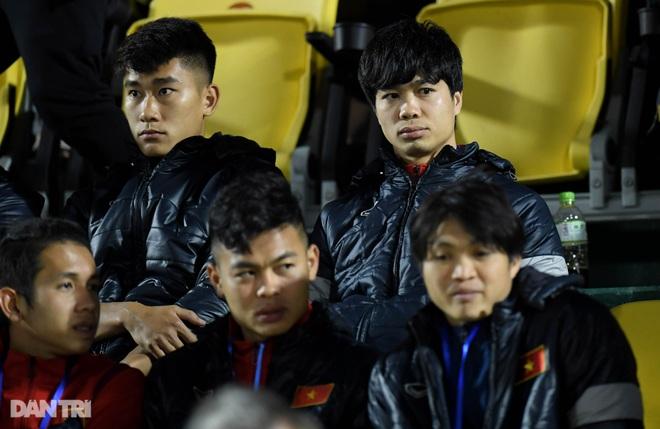Văn Quyết ghi điểm trong chiến thắng của tuyển Việt Nam trước đàn em U22 - 4