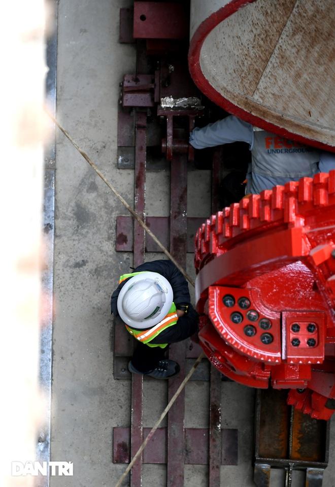 Ráp xong quái vật 860 tấn sẵn sàng đào hầm đường sắt Nhổn - ga Hà Nội - 7