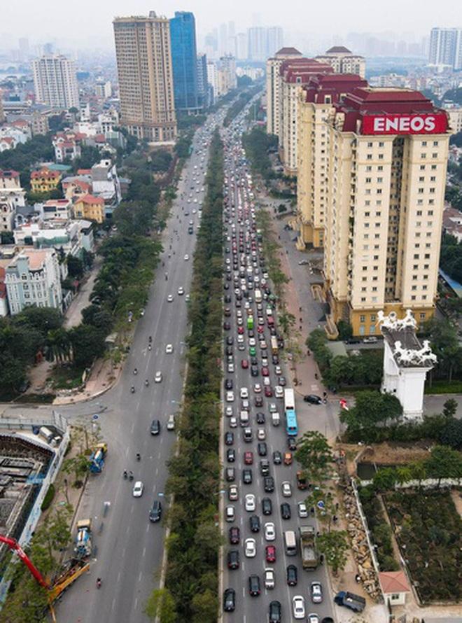 Hàng nghìn ôtô chôn chân tại cầu Nhật Tân ngày cuối kỳ nghỉ lễ - 3
