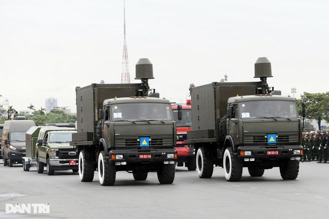 Dàn khí tài đặc chủng tham gia diễn tập bảo vệ Đại hội Đảng toàn quốc - 18