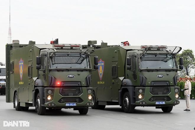 Dàn khí tài đặc chủng tham gia diễn tập bảo vệ Đại hội Đảng toàn quốc - 20