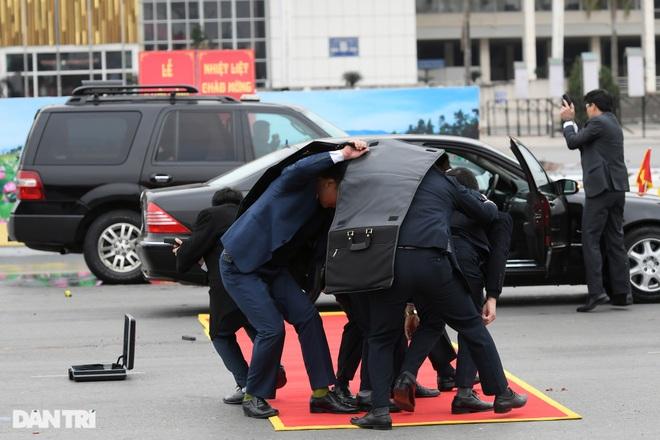 Diễn tập phòng chống khủng bố, bảo vệ nguyên thủ trước thềm Đại hội Đảng - 11
