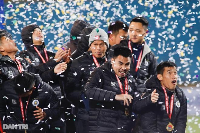 Những khoảnh khắc CLB Hà Nội hạ CLB Viettel, giành Siêu Cúp Quốc gia - 19