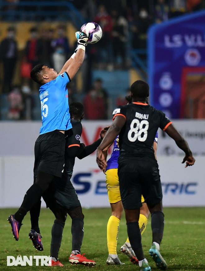Những khoảnh khắc CLB Hà Nội thua trận thứ hai liên tiếp ở V-League - 12