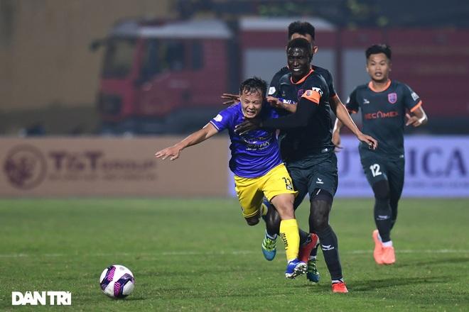 Những khoảnh khắc CLB Hà Nội thua trận thứ hai liên tiếp ở V-League - 16