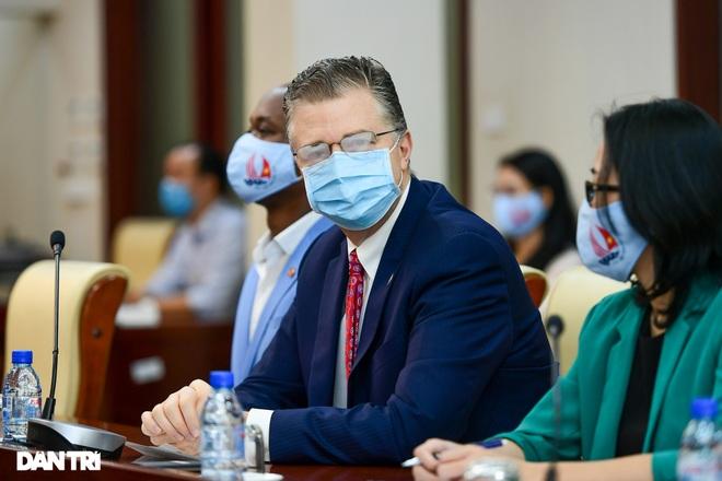 Đại sứ Hoa Kỳ tại Việt Nam tặng cây đào tự tay ghép cho trường ĐHSP Hà Nội - 2