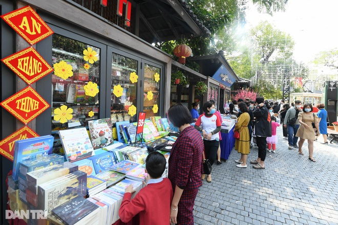 Covid's springtime springtime book Street: Spring gives knowledge - A reunion for the whole New Year - 6