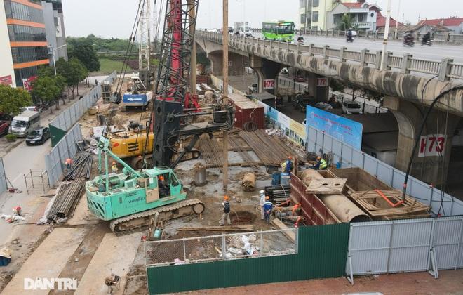 Công trường xây dựng cầu Vĩnh Tuy 2 vượt sông Hồng hơn 2.500 tỷ ở Hà Nội - 3