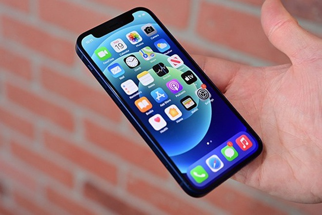 Đại lý xả hàng, iPhone 12 Mini sập giá tại Việt Nam - 1