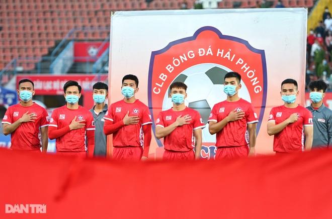 Người hùng Tấn Trường giúp CLB Hà Nội có 3 điểm đầu tiên ở V-League - 1