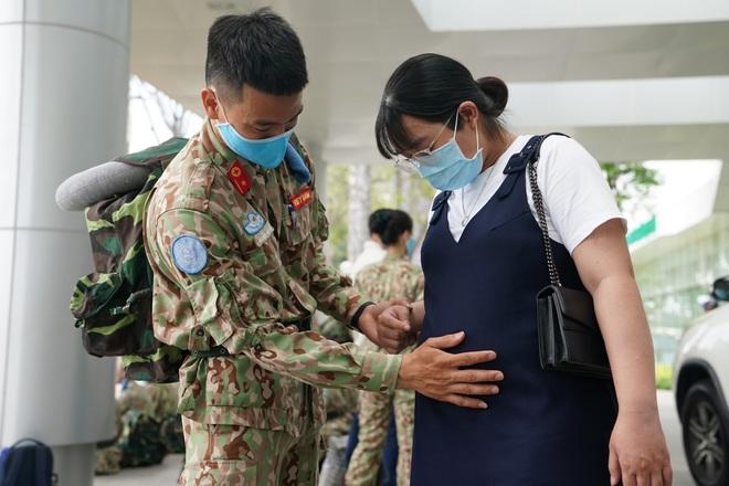 Xúc động giờ phút chia tay chiến sĩ mũ nồi xanh lên đường sang Nam Sudan - 7