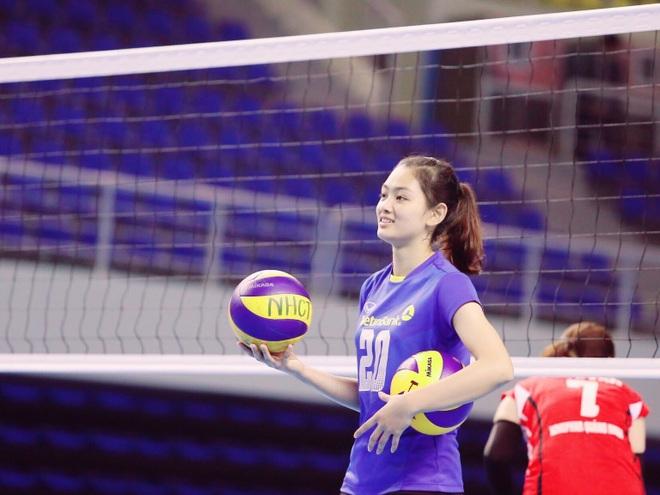 Chuyền hai xinh đẹp Thu Hoài bất ngờ được bóng chuyền thế giới ngợi ca - 4