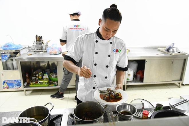 Sinh viên ngành ô tô, nấu ăn, quản trị khách sạn ra trường có việc làm ngay - 8