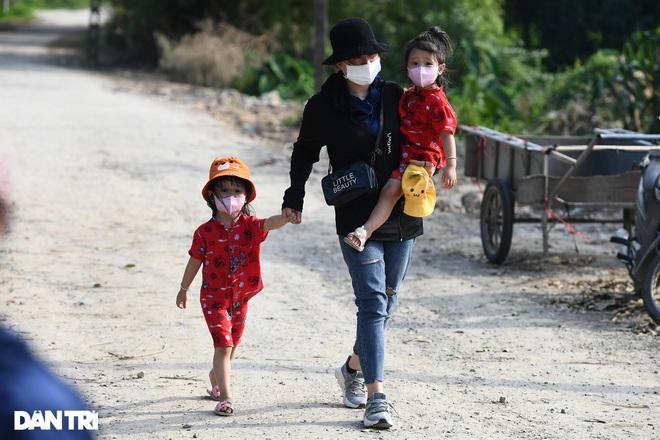 Cuộc sống khu dân cư cách ly ở Hà Nội: Cầu trời cho dịch bệnh qua nhanh - 4