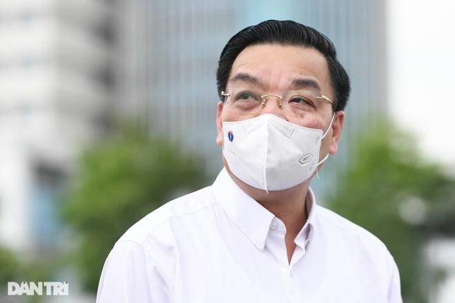 Chủ tịch Hà Nội: Mọi người dân đều bình đẳng về quyền lợi tiêm vắc xin - 2
