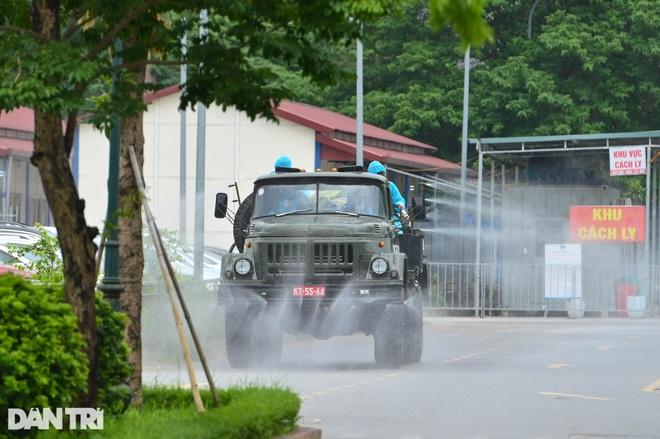 Khẩn cấp phun khử khuẩn, tiêu độc toàn bộ Bệnh viện K cơ sở Tân Triều - 8