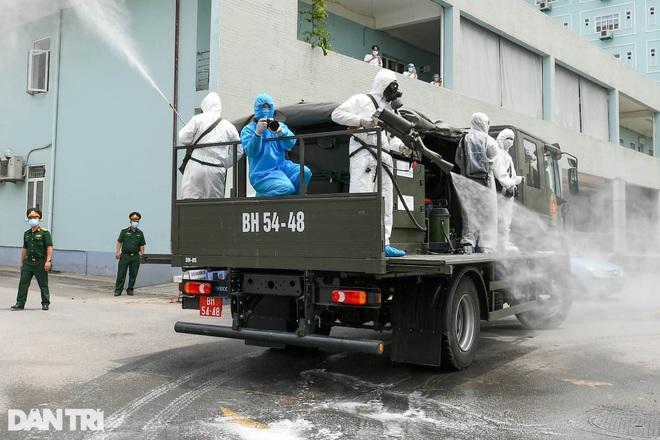 Khẩn cấp phun khử khuẩn, tiêu độc toàn bộ Bệnh viện K cơ sở Tân Triều - 5