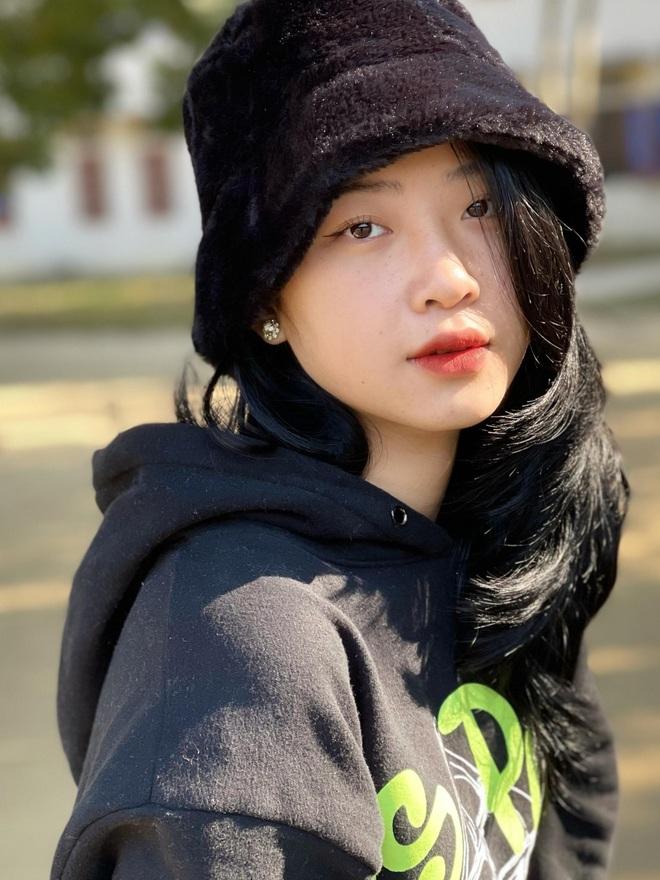 Hot girl ảnh thẻ Hà Lim gây xao xuyến với thành tích học tập đáng nể - 9