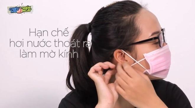 Mẹo hay đeo khẩu trang không đau tai, mờ kính - 2