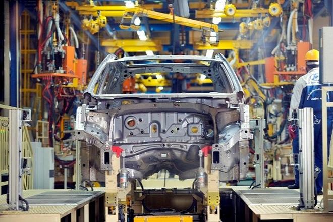Doanh nghiệp xin giảm 50% phí trước bạ ô tô, Bộ Tài chính nói gì? - 1