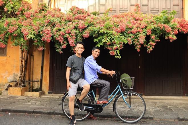 Chuyến xuyên Việt lạ của nam sinh 22 tuổi và bạn đồng hành... 74 tuổi - 5