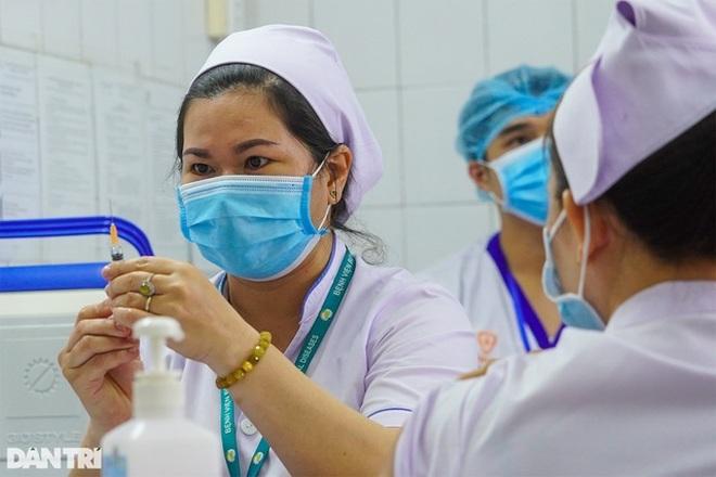 Giao lưu trực tuyến: Những điều cần biết khi tiêm vắc xin phòng Covid-19 - 3