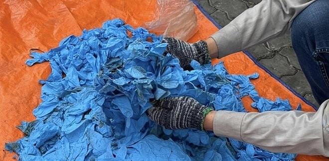 Doanh nghiệp vừa mở mắt đã khai gian, nhập 15 tấn găng tay bẩn Trung Quốc - 2