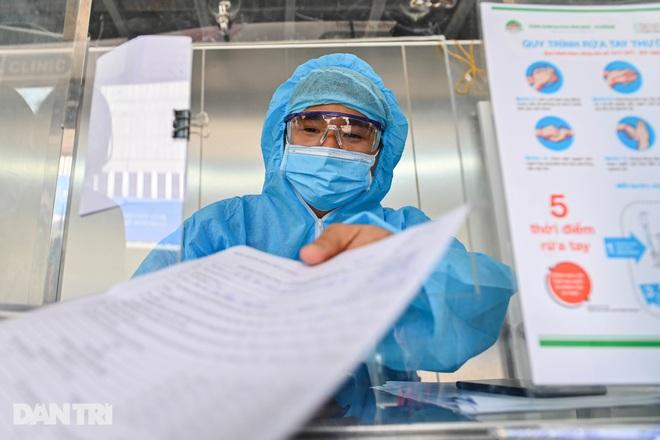 Sáng 25/7, Bộ Y tế công bố 3.979 ca Covid-19 mới tại 21 tỉnh thành - 1