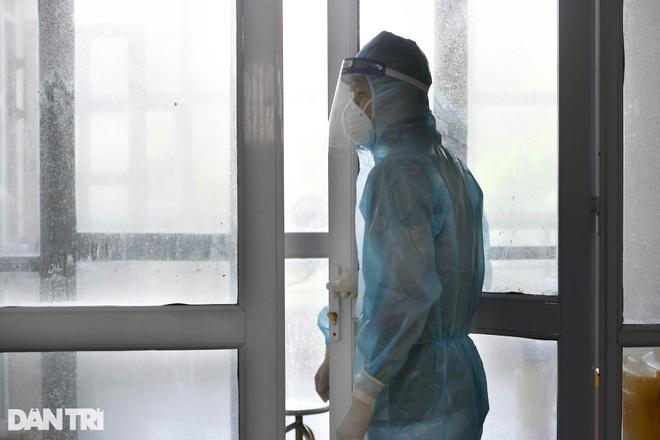 Cận cảnh khu xét nghiệm lớn nhất Việt Nam, cao điểm xử lý 20.000 mẫu/ngày - 23