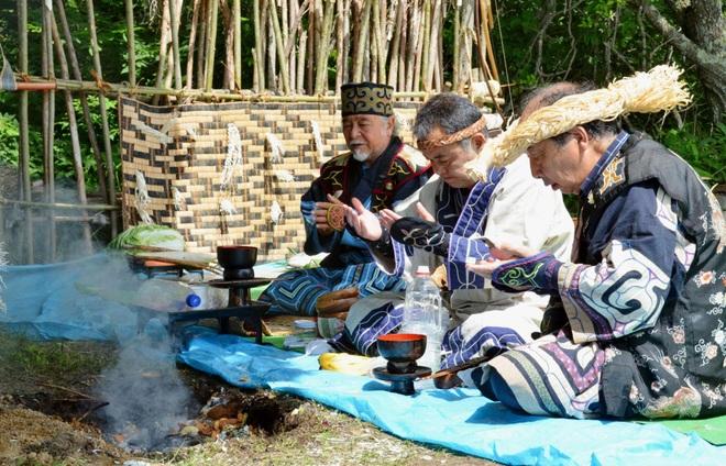 Ainu - Tộc người thiểu số bí ẩn của xứ Phù Tang - 2
