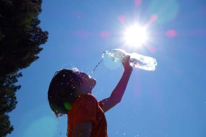 Vì sao thời tiết 37 độ C giống thân nhiệt lại bị coi là quá nóng bức? - 2