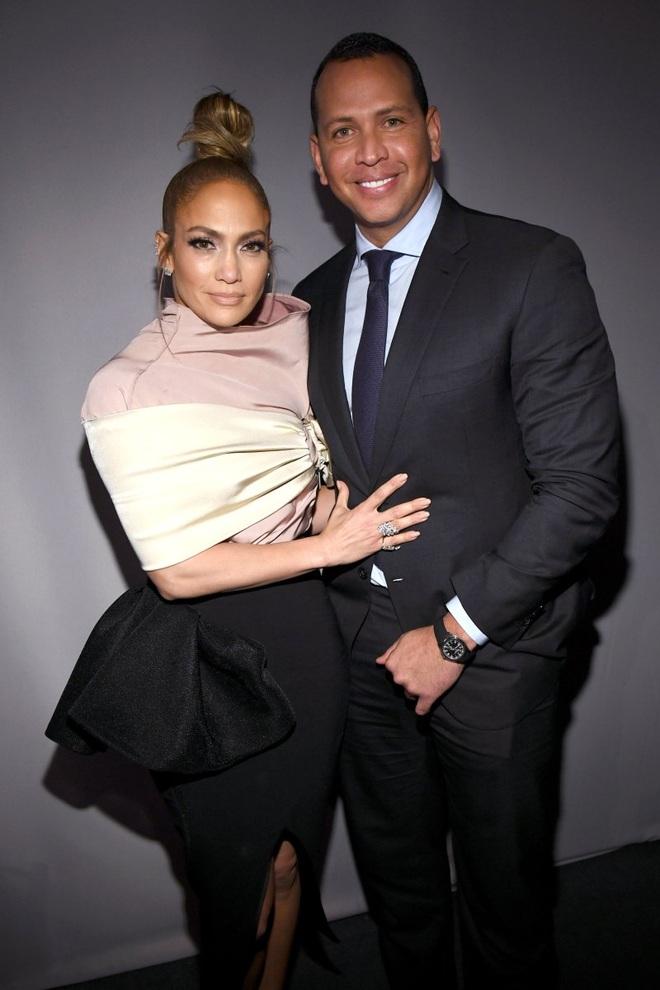 Jennifer Lopez: Mạnh miệng chê trai trẻ, nhưng bị trai trẻ chinh phục - 11