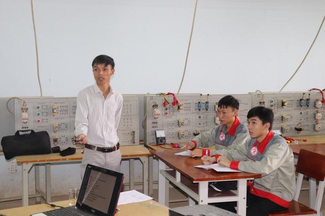 Sinh viên rời giảng đường, theo học nghề để mở quán, lập nghiệp - 1