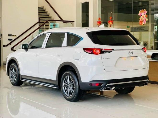 Ford Everest, Mazda CX-8 giảm giá gần 100 triệu trong tháng 6 - 2