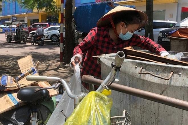 Người phụ nữ bất hạnh mưu sinh bên thùng rác, ngặt nghèo giấc mơ cứu chồng - 1