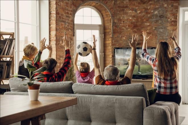 Xem Euro Cup với TV TCL và cơ hội sở hữu biểu tượng bóng vàng 24K - 1