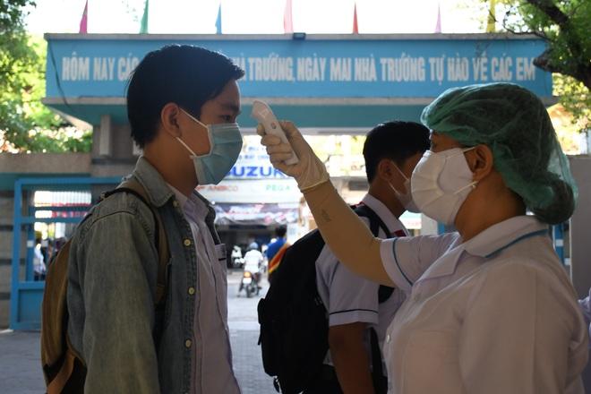 Gần 13 nghìn học sinh Quảng Ngãi bước vào kỳ thi tuyển sinh lớp 10 - 1
