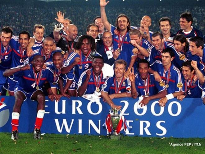 Lịch sử Euro 2000: Pháp lên ngôi sau trận chung kết kinh điển với Italia - 1