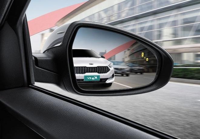 Kia ra mắt Cerato phiên bản chạy điện - 16