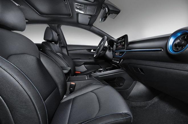Kia ra mắt Cerato phiên bản chạy điện - 9