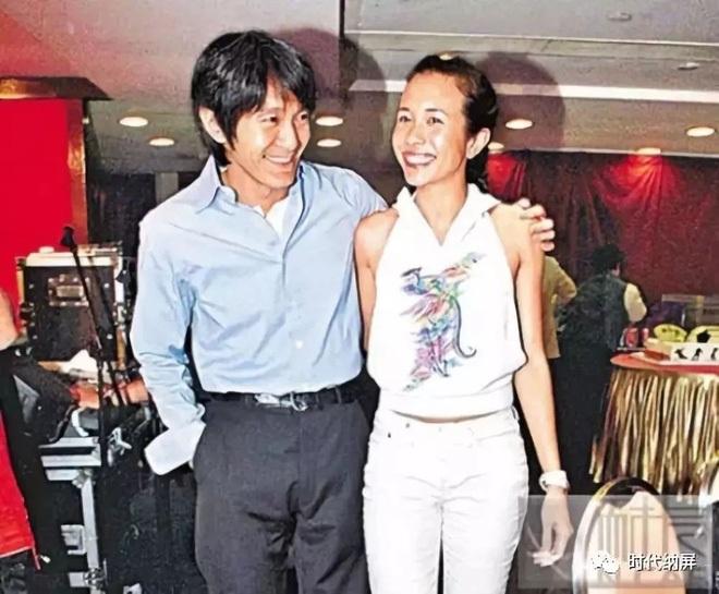 Người tình bí mật của vua hài Châu Tinh Trì chi 107 tỷ đồng bảo hiểm chân