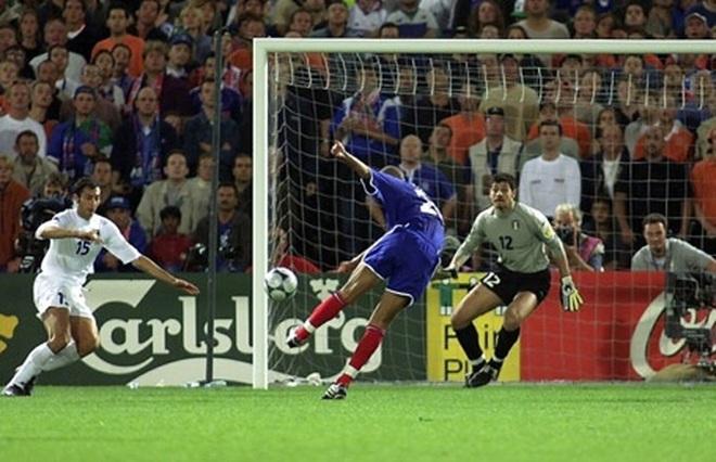 Lịch sử Euro 2000: Pháp lên ngôi sau trận chung kết kinh điển với Italia - 2