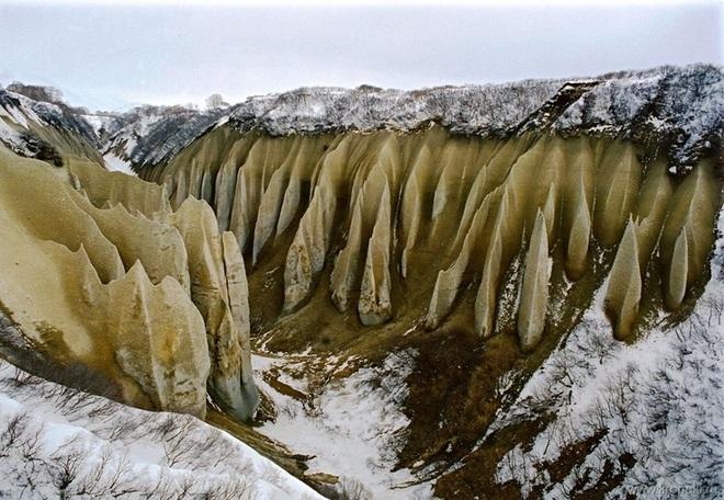 Vẻ đẹp kỳ ảo của thung lũng đá trắng như ở hành tinh khác - 3
