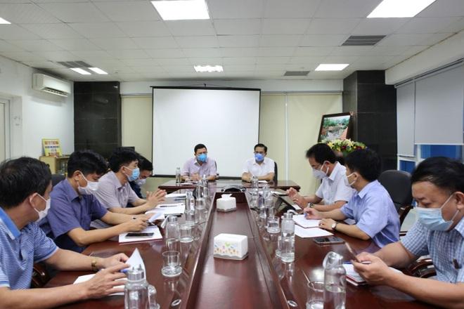 TP Hà Tĩnh phong tỏa 500 hộ dân, tạm dừng dịch vụ ăn uống, cắt tóc, gội đầu - 1