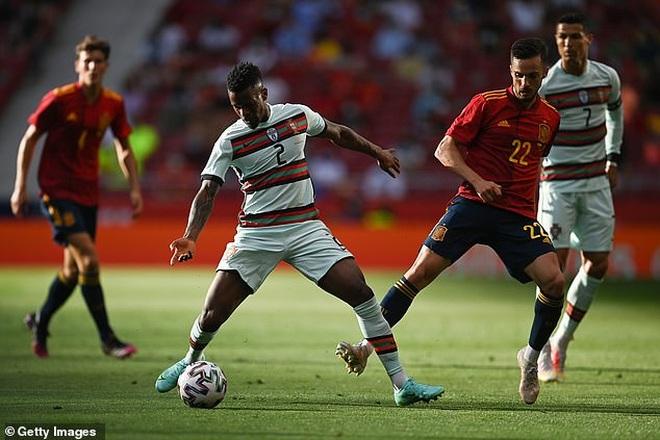 C.Ronaldo nhạt nhòa, Bồ Đào Nha bất phân thắng bại với Tây Ban Nha - 6