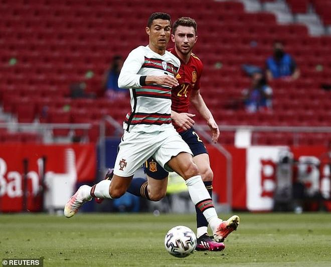 C.Ronaldo nhạt nhòa, Bồ Đào Nha bất phân thắng bại với Tây Ban Nha - 5