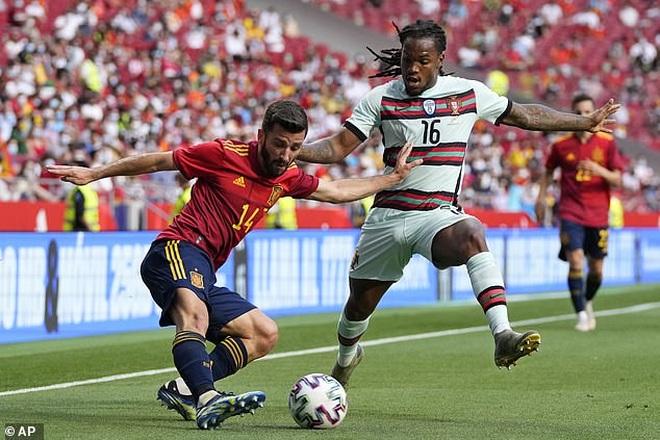 C.Ronaldo nhạt nhòa, Bồ Đào Nha bất phân thắng bại với Tây Ban Nha - 4