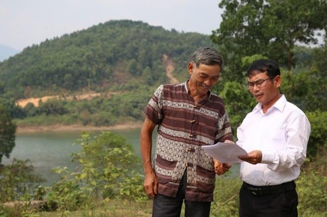 Đôi vợ chồng nông dân ủng hộ 100 triệu đồng chống dịch - 2